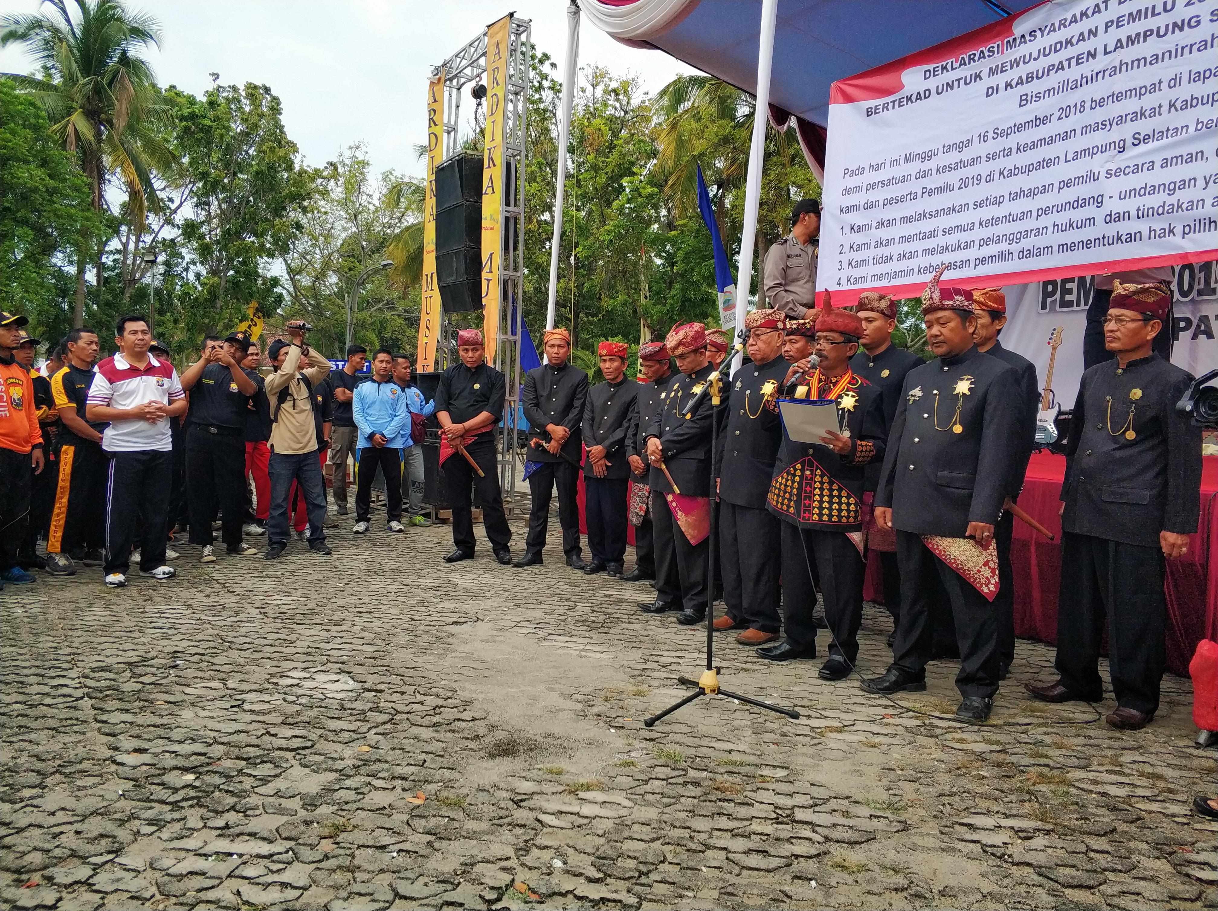 IMG_20180916_080304_1 Polres Lamsel Gelar Deklarasi Damai Bersama Pemkab Beserta Seluruh Elemen Parpol & Masyarakat