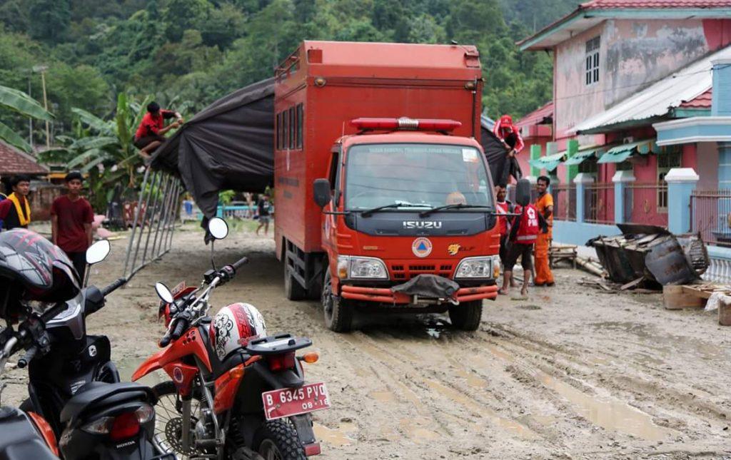 FB_IMG_1543589478759-1024x645 Antisipasi Banjir Susulan, Pemkab Lamsel Siagakan Tenda Pengungsian & Dapur Umum