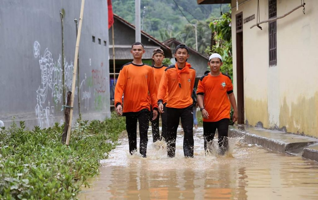 FB_IMG_1543589483515-1024x645 Antisipasi Banjir Susulan, Pemkab Lamsel Siagakan Tenda Pengungsian & Dapur Umum