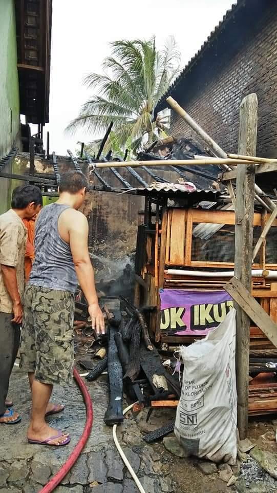 IMG-20181127-WA0062 Kebakaran...!!!, 2 Armada Damkar Diterjunkan Di Hara Banjarmanis, Camat & LSM GML Pun Turut Andil