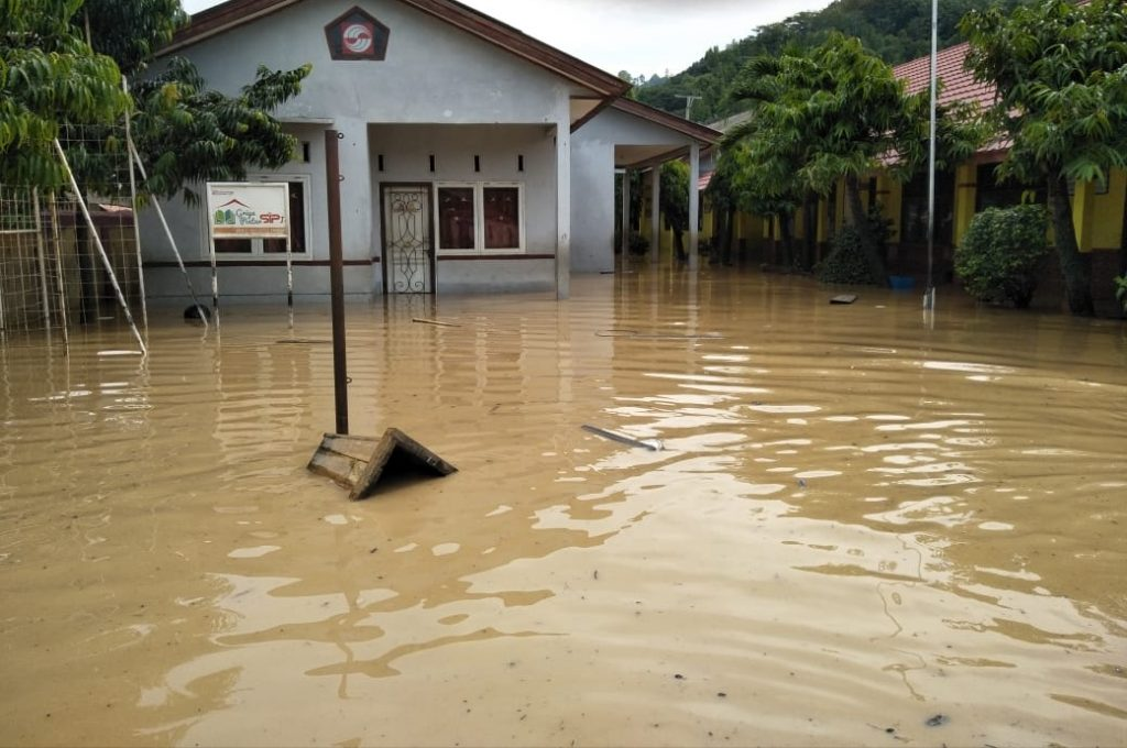 IMG_20181130_185731-1024x680 Tingginya Curah Hujan, Desa Rangai & Tarahan Terendam Banjir