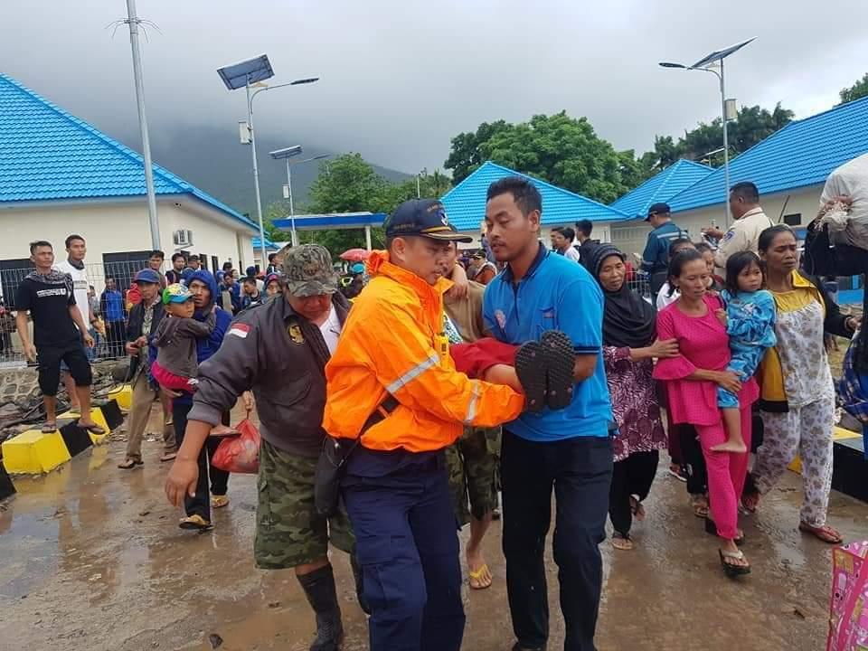 FB_IMG_1545804116281 Hari Ini, Ratusan Warga Pulau Sebesi Di Evakuasi Oleh KMP Jatra III