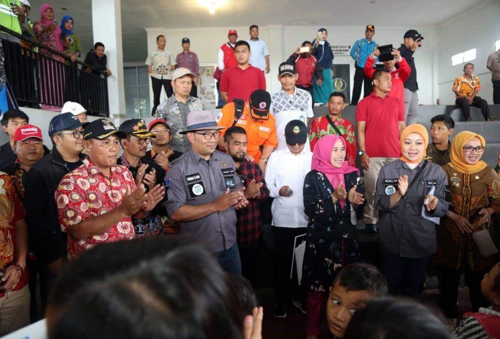 FB_IMG_1545911098017-1024x694 Sambangi Korban Tsunami, Ridwal Kamil Sumbang 1 Milyar Untuk Para Korban