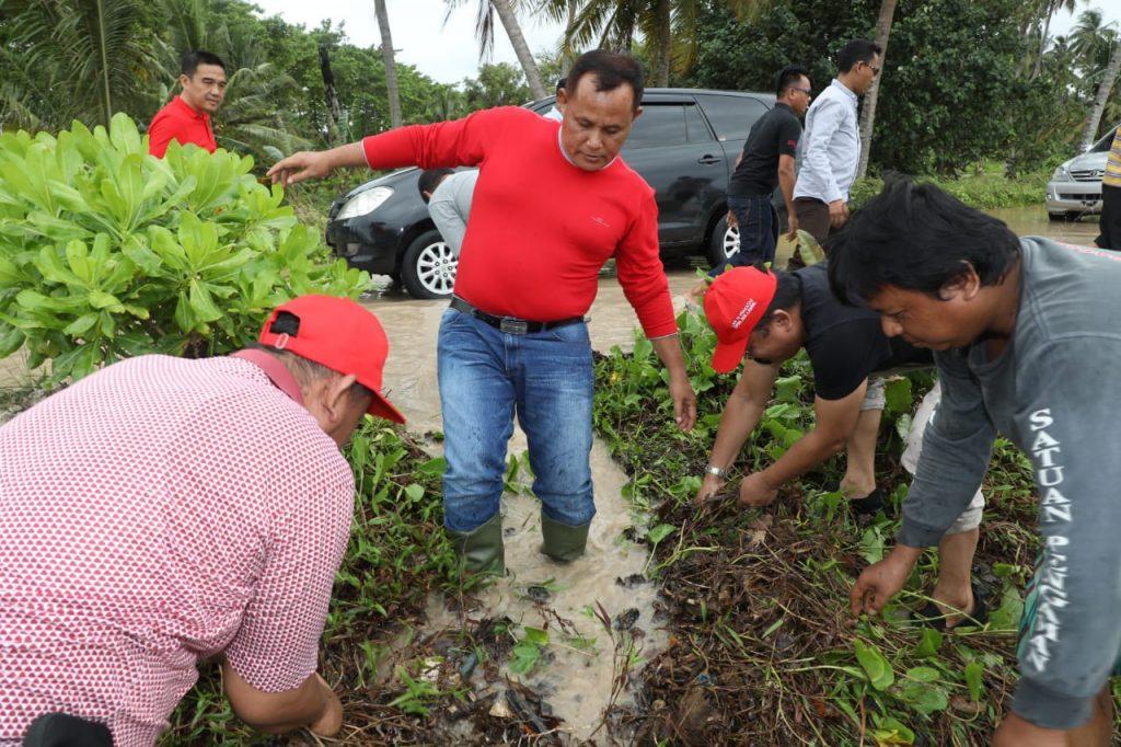 IMG-20181201-WA0158-1024x682 Masyarakatnya Terkena Banjir, Nanang Tinggalkan Rapat Umum Bersama Megawati