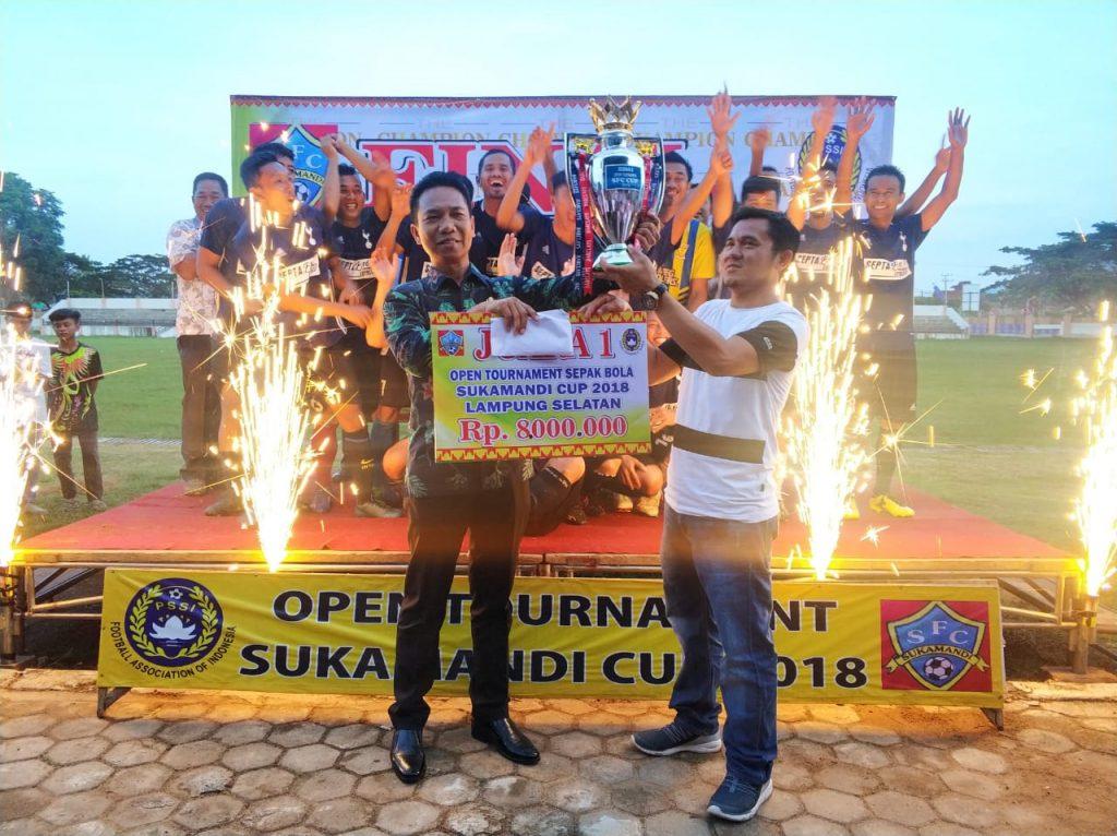 IMG-20181207-WA0044-1-1024x766 Plt. Kadispora Lamsel Resmi Menutup Open Turnamen Sukamandi Cup 2018, Berikut Ini Data Pemenang