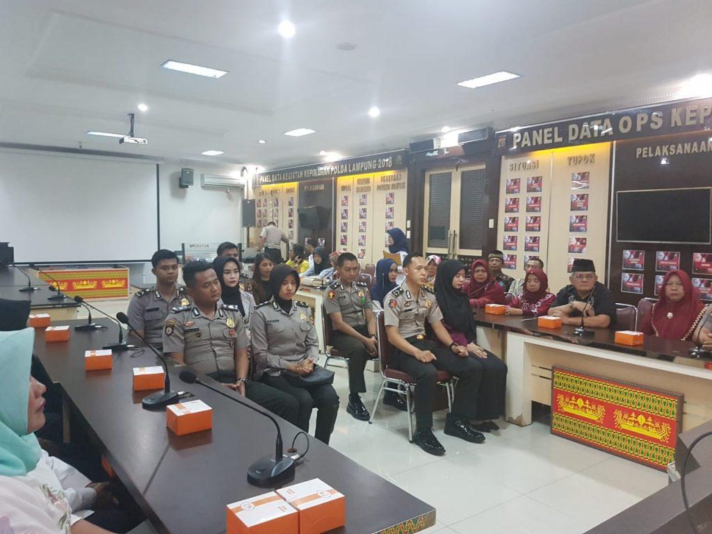 IMG-20181210-WA0089-1024x768 Ciptakan Keluarga Harmonis & Serasi, Polda Lampung Gelar Sidang Perkawinan Personilnya