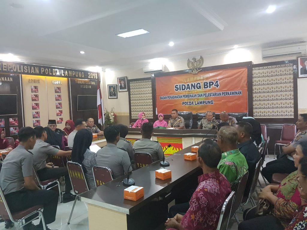 IMG-20181210-WA0091-1024x768 Ciptakan Keluarga Harmonis & Serasi, Polda Lampung Gelar Sidang Perkawinan Personilnya