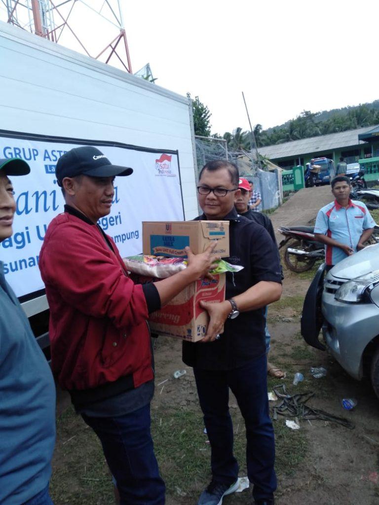 IMG-20181225-WA0182-768x1024 Tim Nurani Astra Lampung & Auto 2000 Kalianda, Berikan Bantuan Kepada Korban Tsunami
