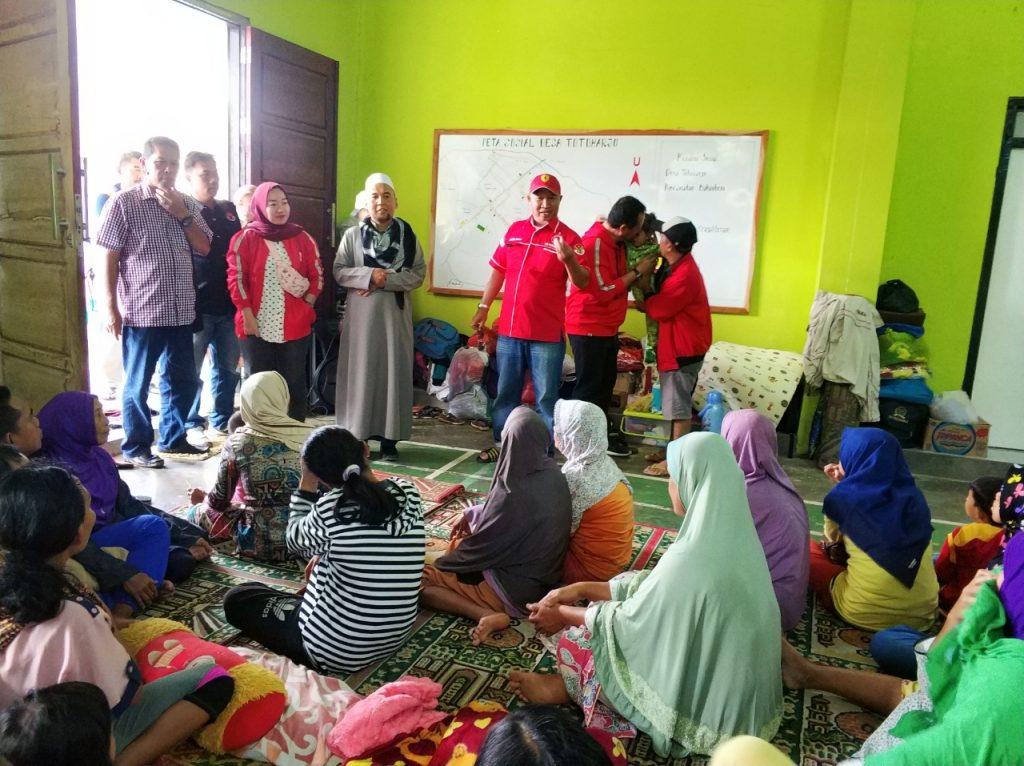 IMG-20181227-WA0203-1024x766 (Berita Foto) DPC PDI Perjuangan Lamsel & Mukhlis Basri Salurkan Bantuan Logistik Tuk Korban Tsunami