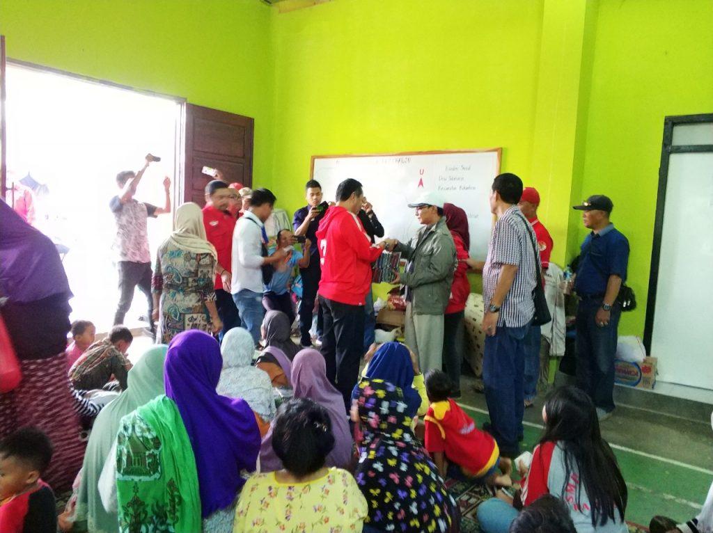 IMG-20181227-WA0211-1024x766 (Berita Foto) DPC PDI Perjuangan Lamsel & Mukhlis Basri Salurkan Bantuan Logistik Tuk Korban Tsunami
