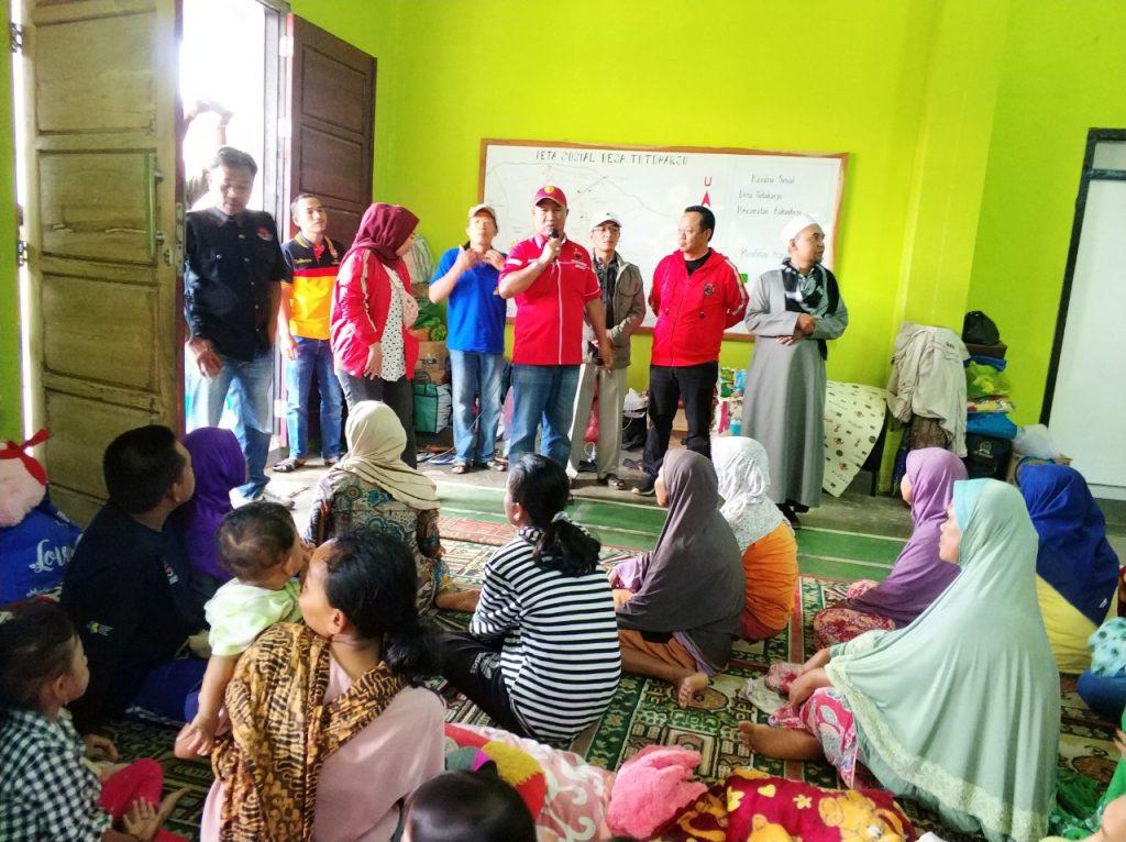 IMG-20181227-WA0217-1024x766 (Berita Foto) DPC PDI Perjuangan Lamsel & Mukhlis Basri Salurkan Bantuan Logistik Tuk Korban Tsunami