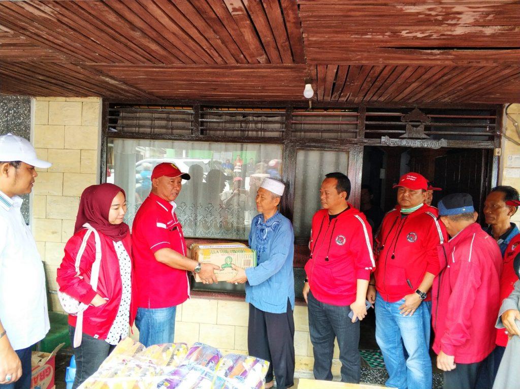 IMG-20181227-WA0230-1024x766 (Berita Foto) DPC PDI Perjuangan Lamsel & Mukhlis Basri Salurkan Bantuan Logistik Tuk Korban Tsunami