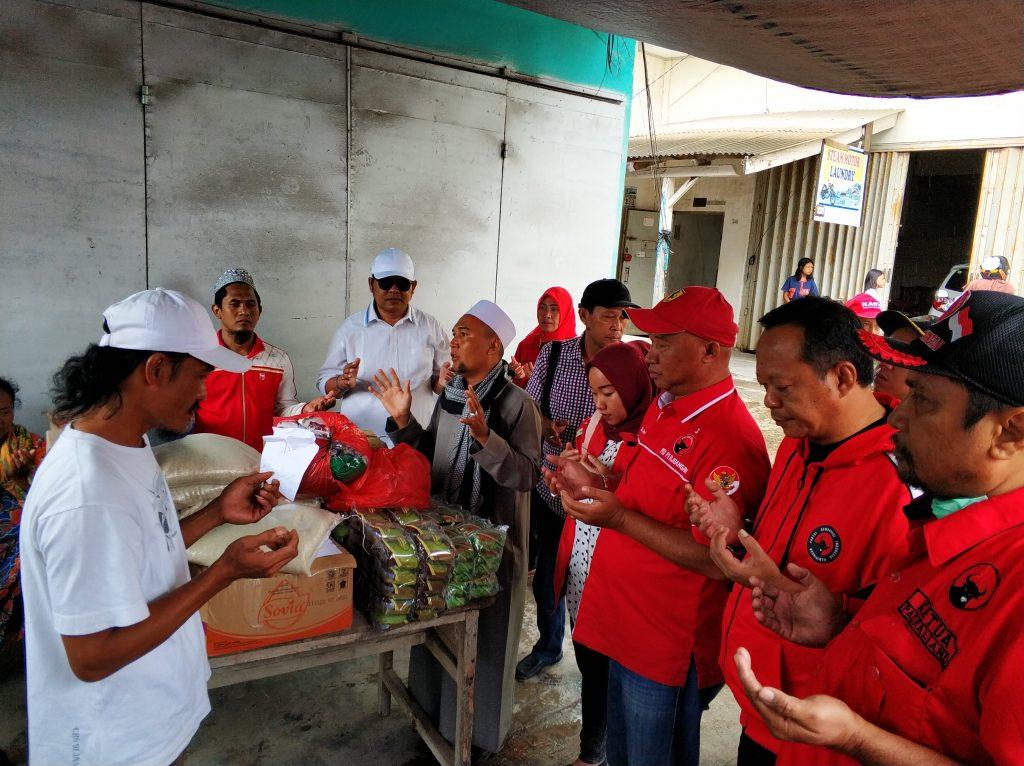 IMG_20181227_113209-1-1024x766 (Berita Foto) DPC PDI Perjuangan Lamsel & Mukhlis Basri Salurkan Bantuan Logistik Tuk Korban Tsunami