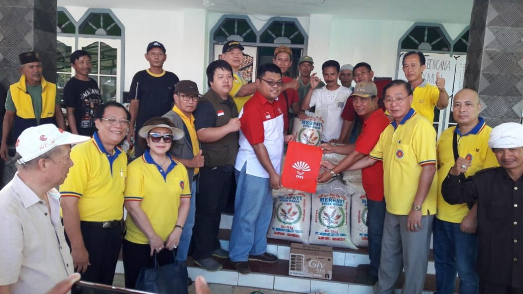 IMG-20190104-WA0124-1024x576 Paguyuban Marga Huang Jakarta-Lampung, Salurkan Bantuan Logistik Kepada Warga Kunjir