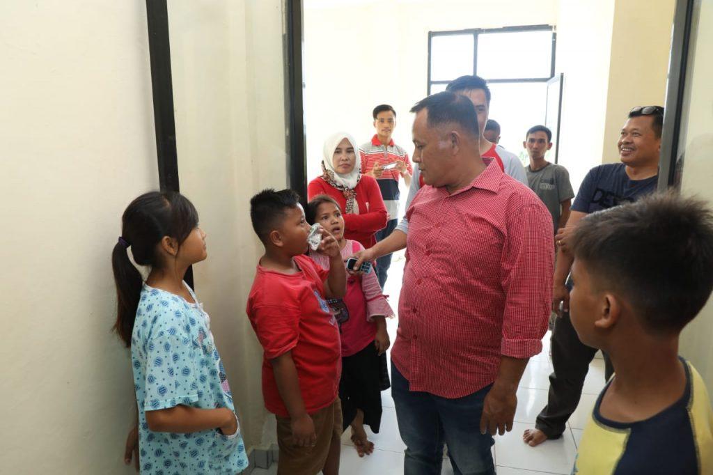 IMG-20190112-WA0091-1024x682 Pastikan Keadaan Pengungsi Baik, Nanang Kunjungi Huntara Wisma Atlet