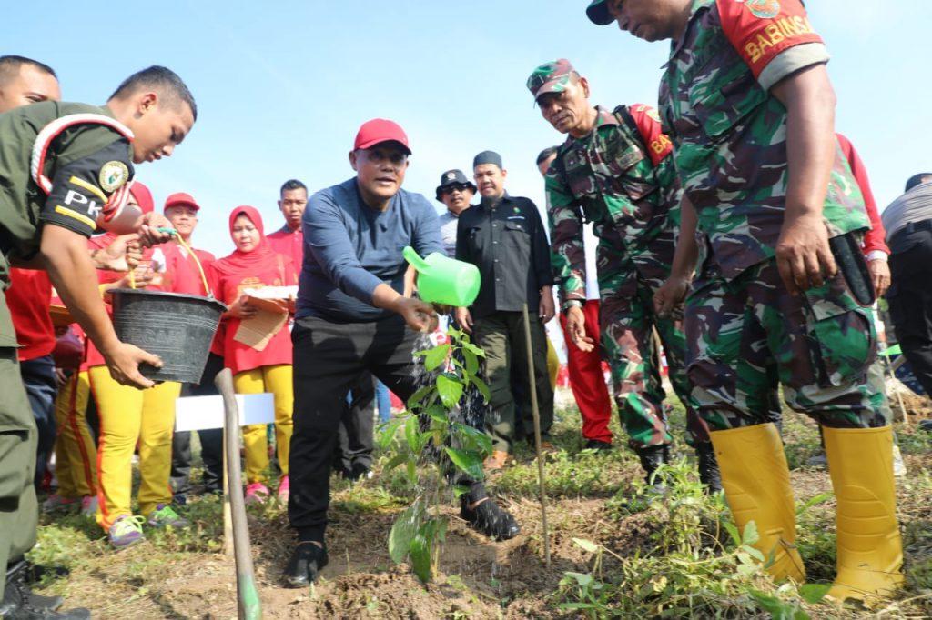 IMG-20200117-WA0043-1024x682 Kurangi Global Warming, Nanang Tanam Pohon Bersama Kodim 0421 Lamsel